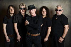 UFO y su vocalista Phil Mogg se despiden de los escenarios