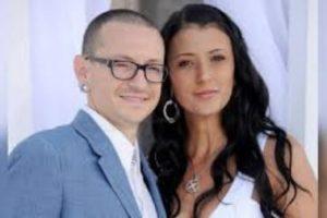 Chester Bennington de Linkin Park recibe tributo por parte de su esposa
