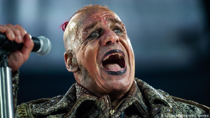 Cantante de Rammstein, sale de terapia intensiva descartando que tenga coronavirus
